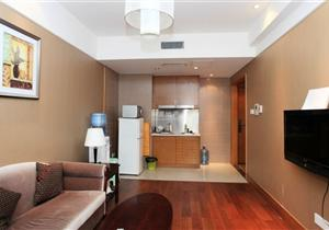 观音桥精装公寓低价出租 带全套家电 视野开阔 看房有钥匙